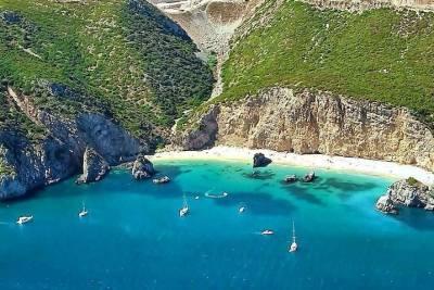 Explore Wild Beaches & Caves Kayaking, Armação de Pêra , Algarve , Portugal