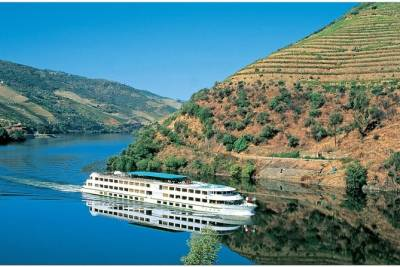 Douro Valley Tour, Wine Tasting, River Cruise,Lunch on board from Lisbon -2 days