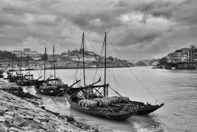 Full Day Porto - Private Tour / Luxury Sedan or Minivan