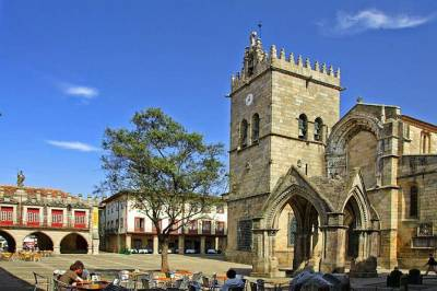 Guimaraes, The Perfect Trio: History, Food and Wine Tour