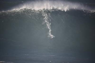 Private Half-Day Tour of Nazare Big Waves from Lisbon