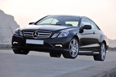 Airport Round-Trip Business Transfer: Lisbon-Portela Airport to Hotel