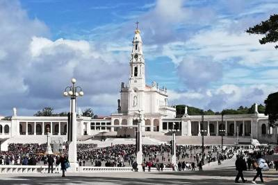 Private Full-Day Tour of Fatima and Ourem from Lisbon