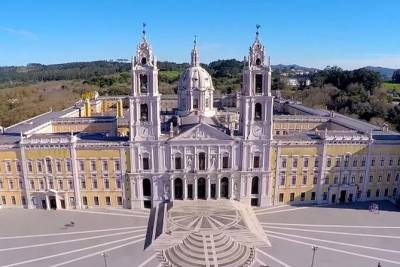 Obidos, Peniche, Baleal and Mafra Private Tour from Lisbon