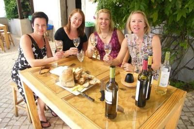 Motor catamaran up to 18 people in Lisbon