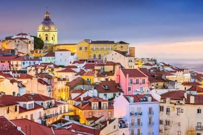 Lisbon Cemeteries Tour