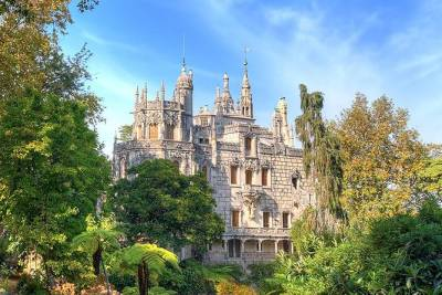 Special Private Half Day Tour to Quinta da Regaleira & Hell´s Mouth, from Lisbon