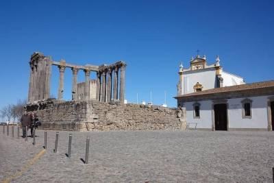 Belem Tour by Tuk Tuk from Lisbon