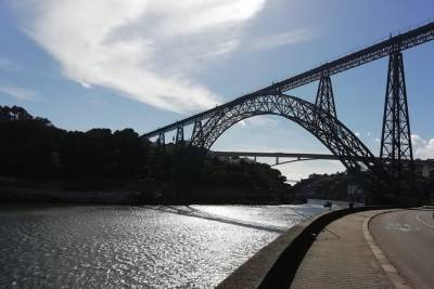 Transfer Porto / Lisboa or Lisboa / Porto with Sightseeing