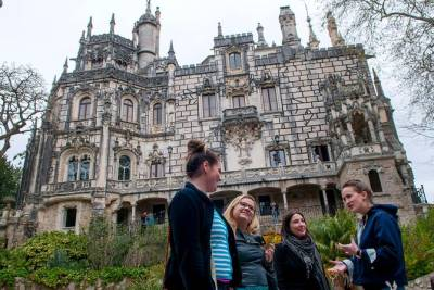 Expert Led Private Trip to Sintra with Admission and Train Tickets
