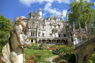 Private Full Day Tour to Quinta da Regaleira, Ericeira & Mafra, from Lisbon