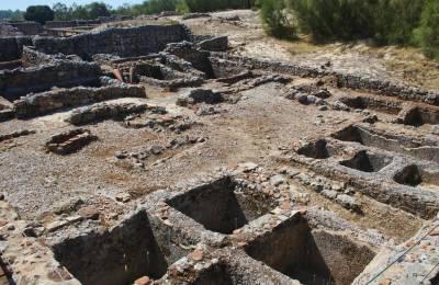 Troia Roman ruins