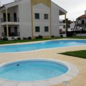 Apartamento T2 com piscina e wifi a 150 m da praia