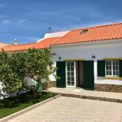 Sagres House - Large patios, free wifi, parking