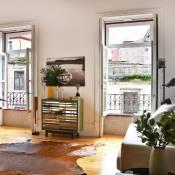 Liiiving in Porto   Aliados Design Apartment