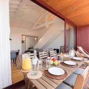 LovelyStay - Top Floor Balcony Apartment