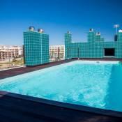 B04 - Luxury 2 bed w Terrace Pool