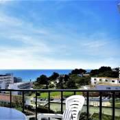 Sea View City Center Apartment