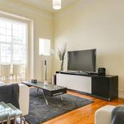 Bright 3 Bed Apartment in Central Lisbon