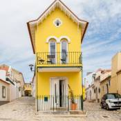 Lisbon Sea Side Chalet