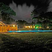 Villa com Jardim de Luxo
