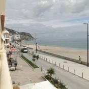 Luxuoso apartamento na praia