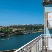 Amazing Riverside Balcony 2Br Apartment