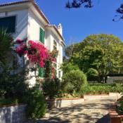 Cascais Seaside garden villa Guest house