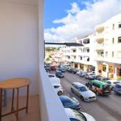 Central Flat, ONLY 5 min. from the beach!