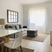 Moderno apartamento, central e confortável