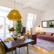 2 beautiful suites upscale flat embracing Tejo!