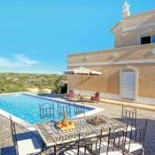 Salgados Villa Sleeps 6 Air Con WiFi