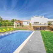 Pedragosa Villa Sleeps 6 Air Con WiFi