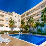 A05 - Luxury 1 Bed Fully Equipped with Pool