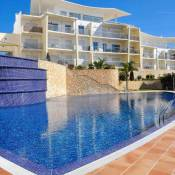 Amazing T2 with seaview and pool // 900m beach