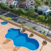 Apartment with free Wi-Fi | A/C | shared pool | gym access | near town [RLAG67]