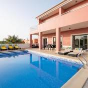 Villa with Wi-Fi | A/C | private pool | table tennis | near beach and town centre [RLAG46]