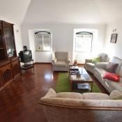 T2+1 duplex apartment near S. Bento and Bairro Alto