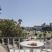Rent4Rest Estoril Beachfront Apartments