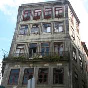 Dilapidated Building - Porto