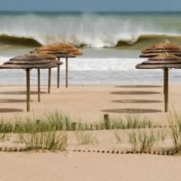 Meia Praia surf