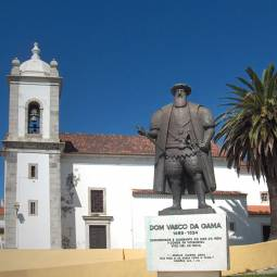 Sines - Parish Church and Vasco da Gama Statue