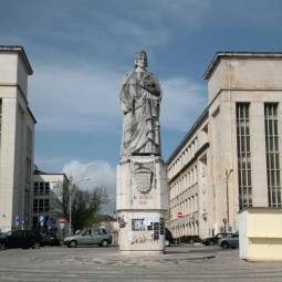 Largo Dom Dinis - Coimbra University