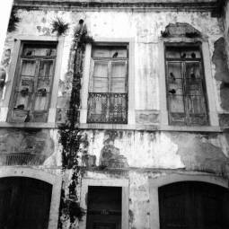 Run Down House - Lisbon