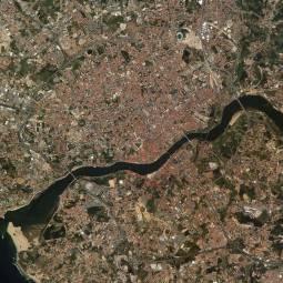 Porto and Gaia - Satellite Photo