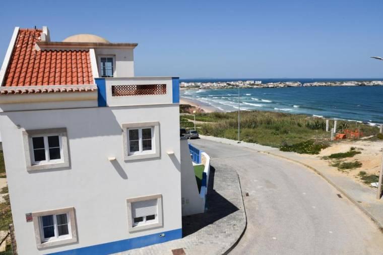 Villa Baleal Beach