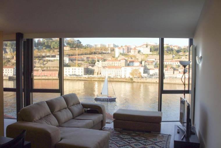 The Douro Window