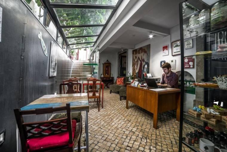 Casa do Bairro by Shiadu