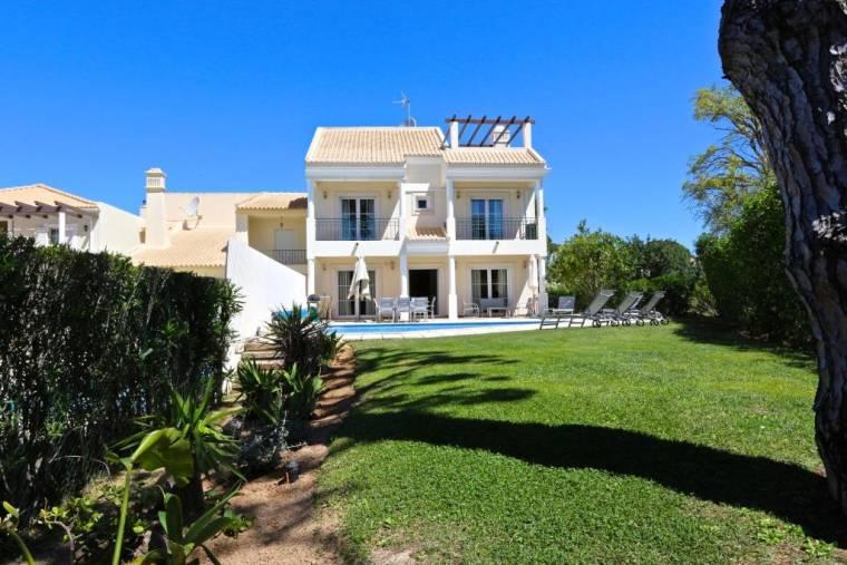 Villa Amendoeira 4 - Clever Details