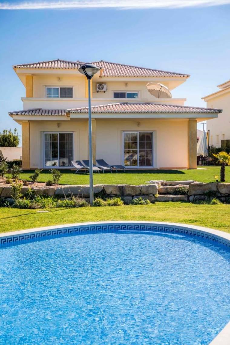 D03 - Luxury Gold Villa